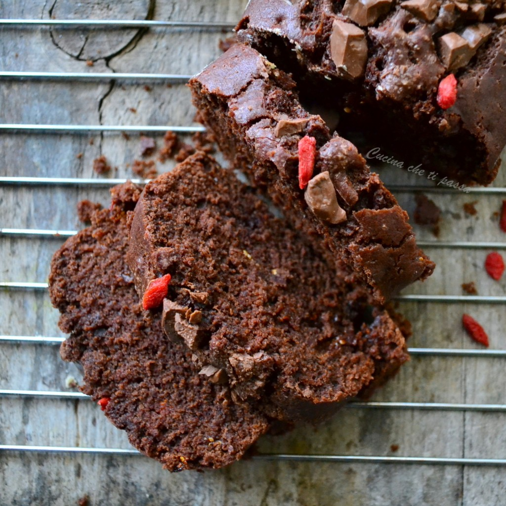 plumcake al ciocolato e bacche di goji (50)