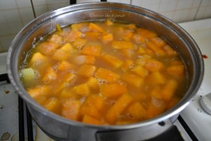 vellutata di zucca e patate ricetta (6)