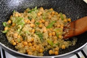 quinoa con ceci e verza ricetta (3)