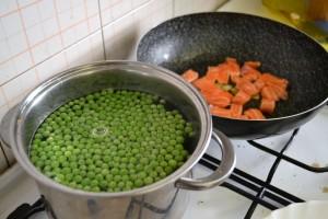 pasta con salmone e piselli ricetta (5)