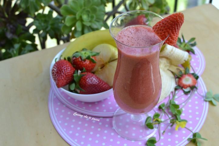 vitaminico fragole e banana vegan ricetta (18)