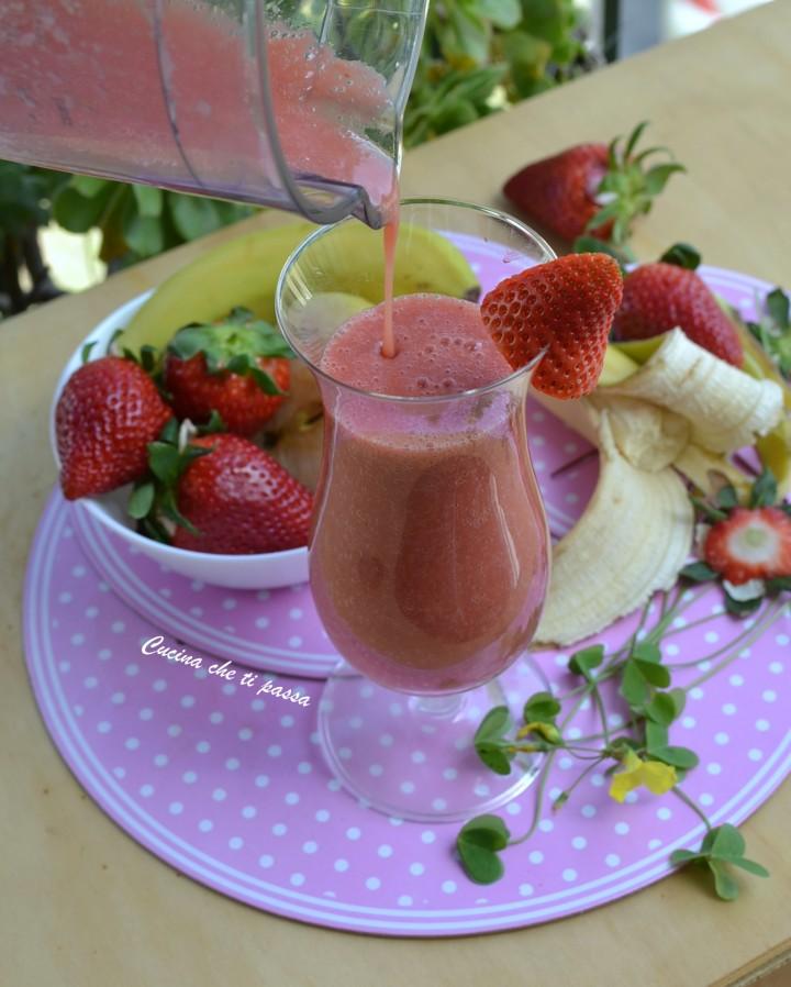 vitaminico fragole e banana vegan ricetta (6)