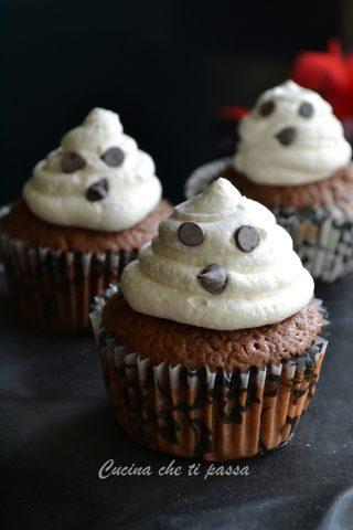 cupcake-fantasmino-per-halloween-ricetta-13