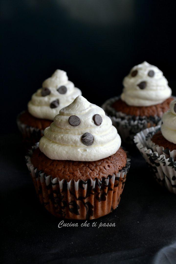 cupcake-fantasmino-per-halloween-ricetta-4