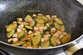 zucchine-con-tofu-ricetta-4