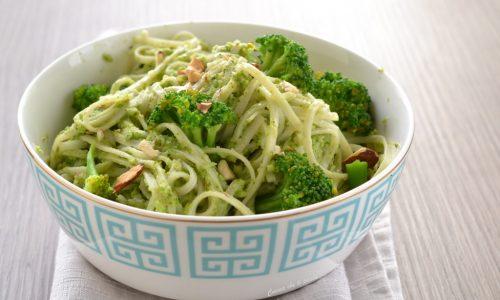 Noodles con crema di broccoli