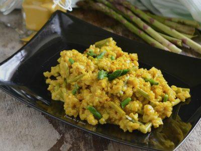risotto con asparagi e curcuma