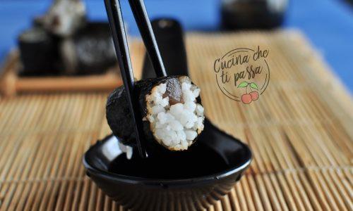Sushi maki al tonno