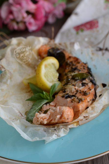 salmone al cartoccio al forno