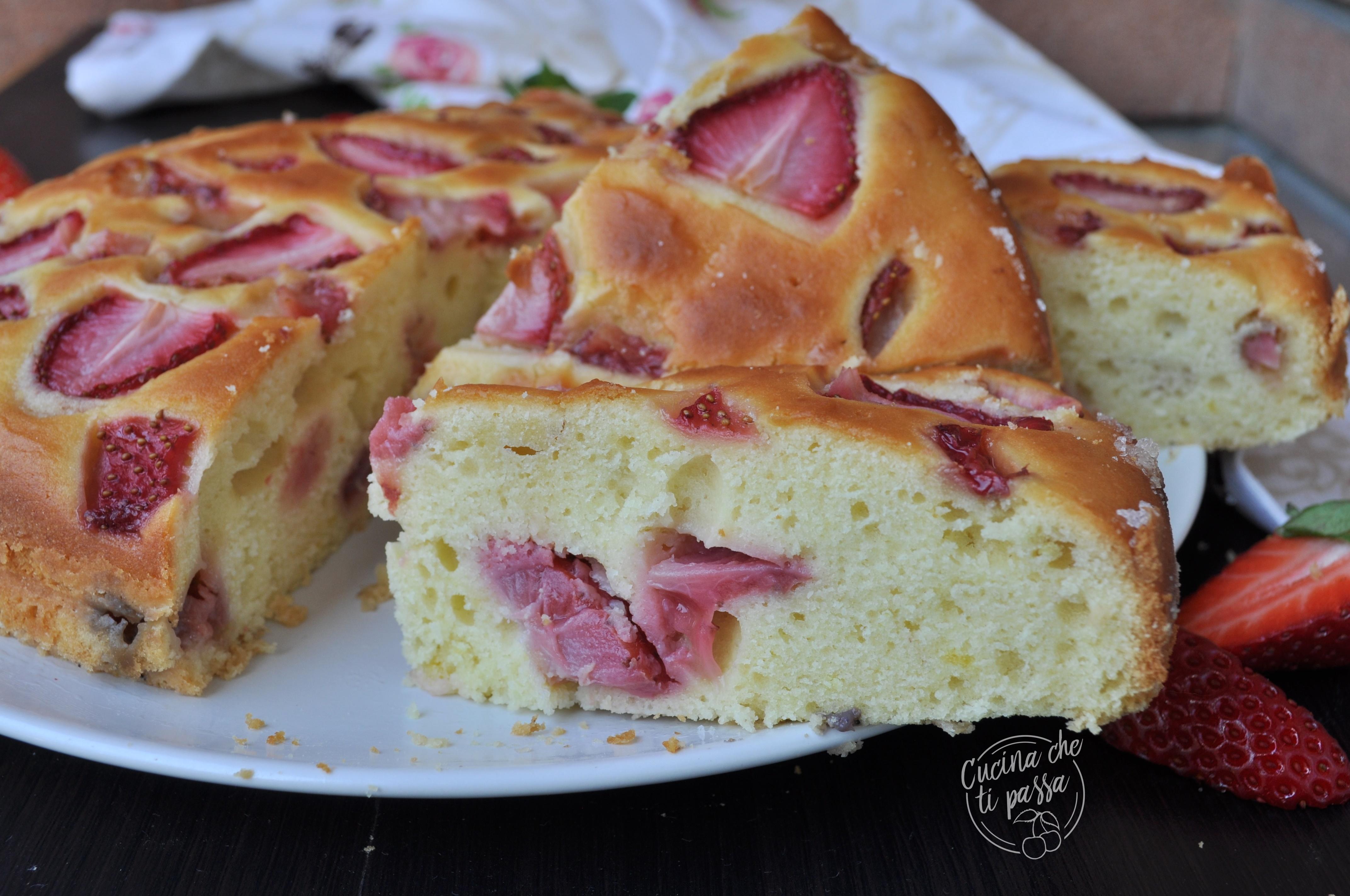 torta ricotta e fragole facile