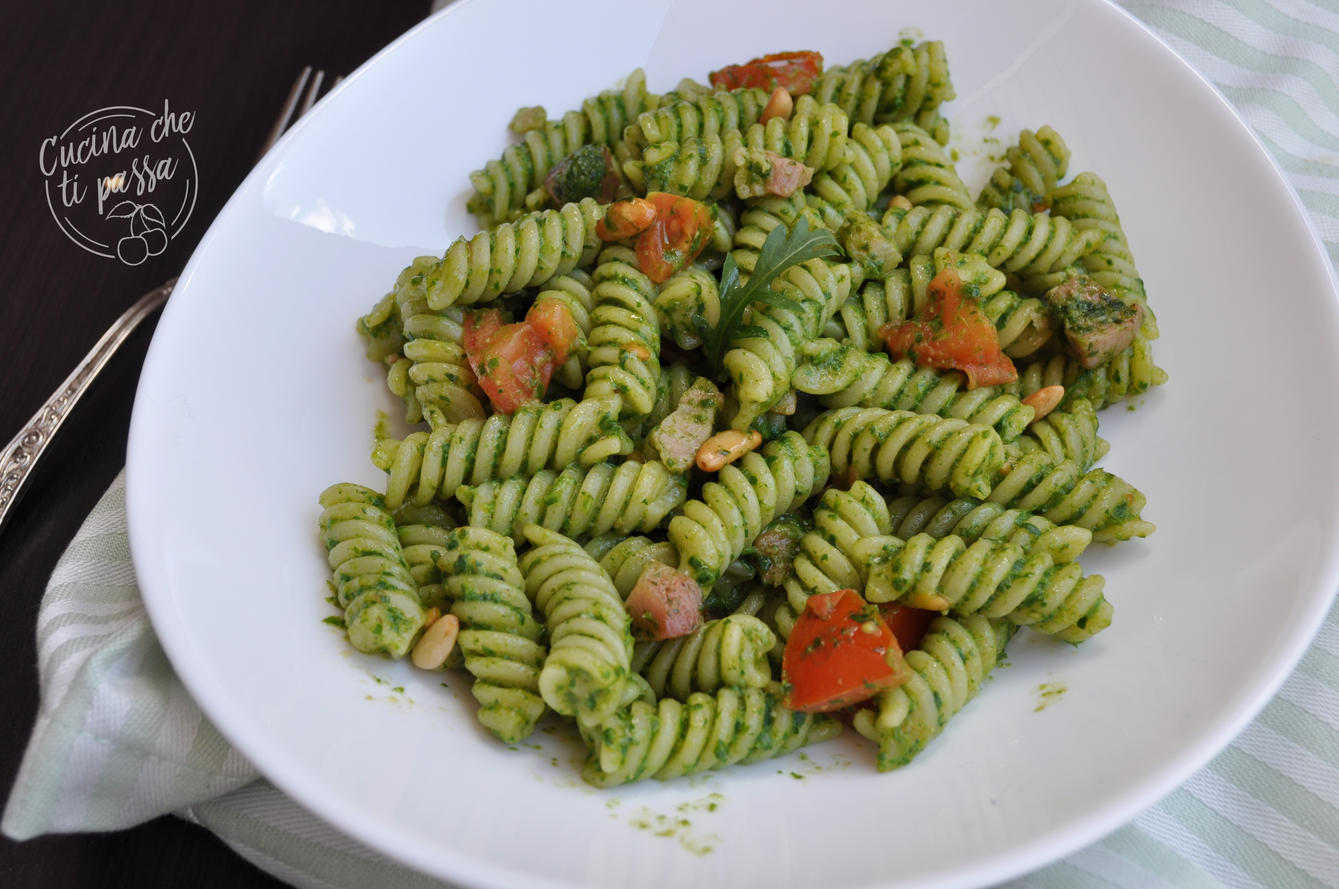 pasta rucola, pancetta e pinoli