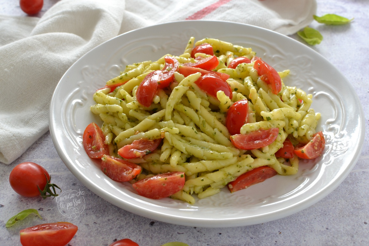 Pasta pesto e pomodorini
