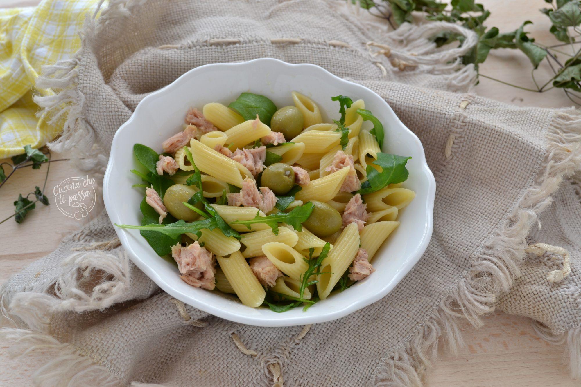 Insalata di pasta con olive