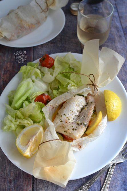 Pesce al cartoccio e verdure