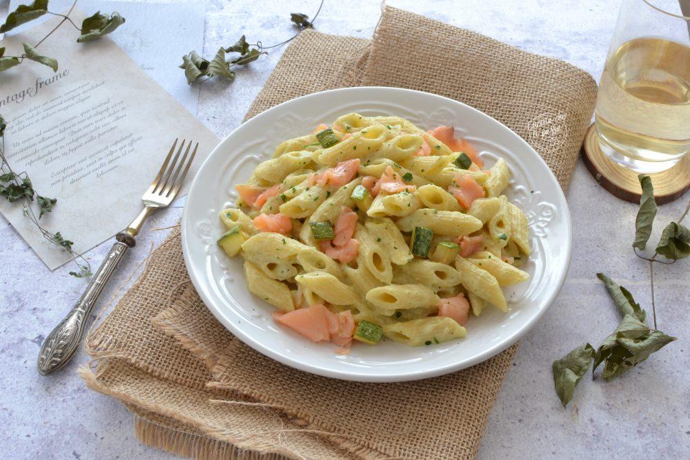Pasta al salmone e zucchine