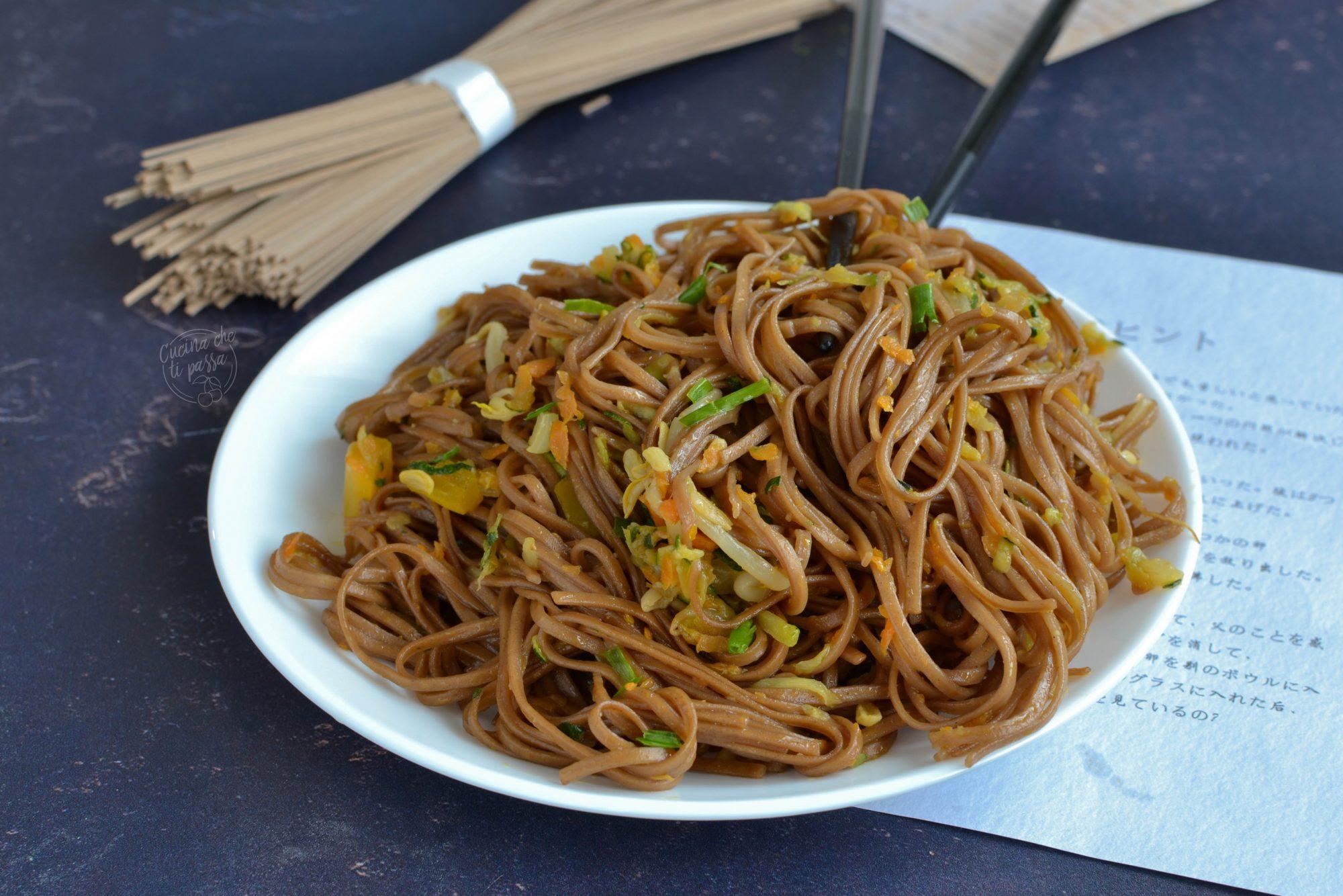 Yakisoba con verdure ricetta