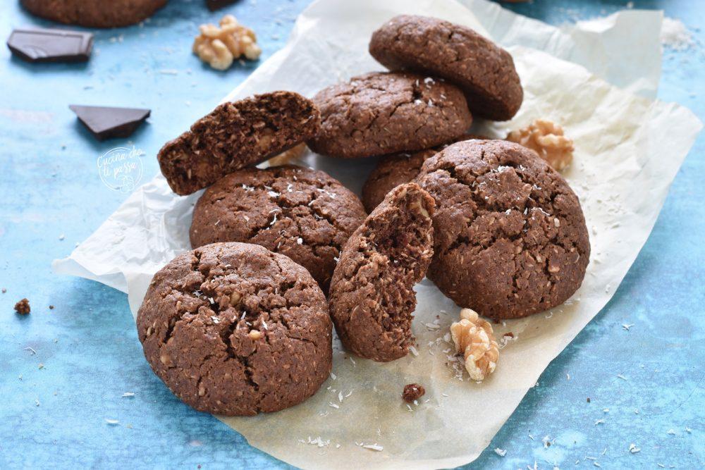 Biscotti al cioccolato e noci ricetta