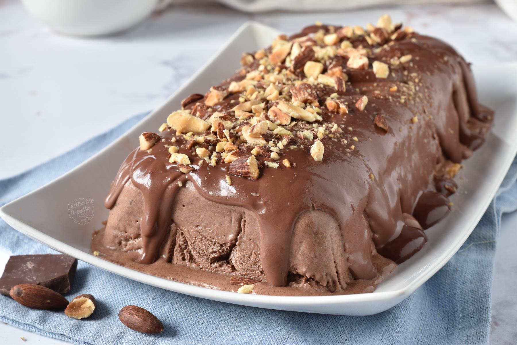 Parfait di mandorle al cioccolato ricetta