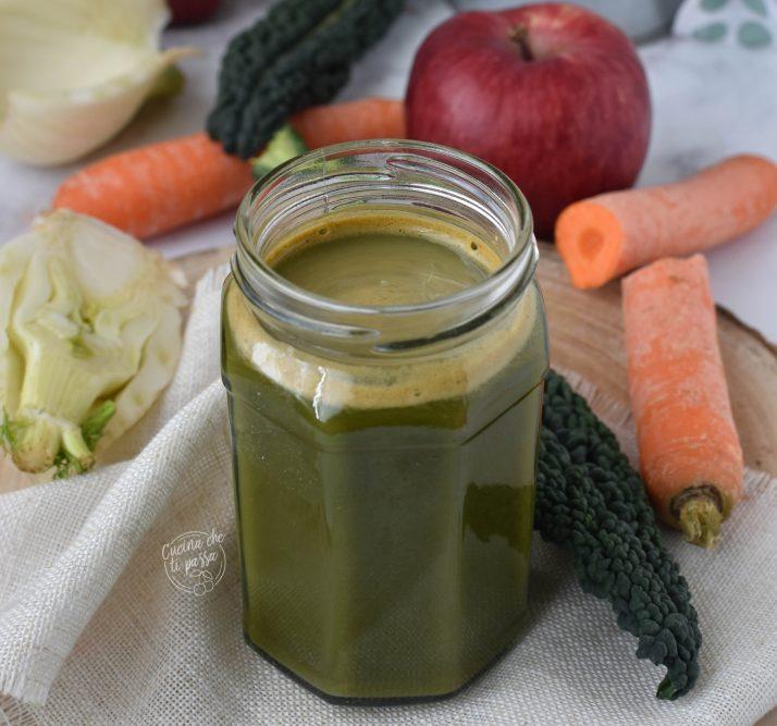 Centrifuga verde al finocchio e cavolo nero ricetta
