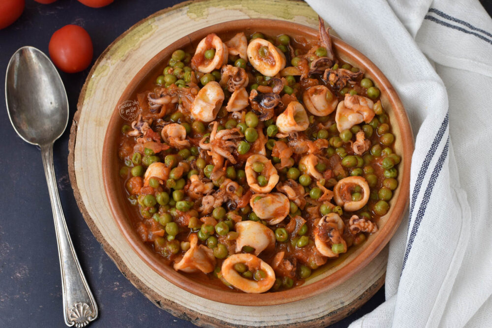 calamari e piselli in umido ricetta