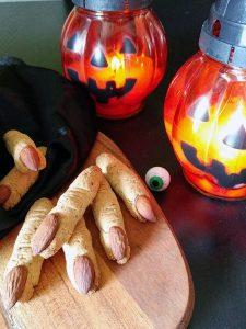 dita da strega halloween