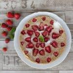 CLAFOUTIS DI FRAGOLE con farina di quinoa e latte di mandorle