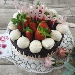 Torta drip cake per San Valentino