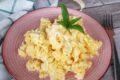 Sai come fare le uova strapazzate perfette (senza latticini)?
