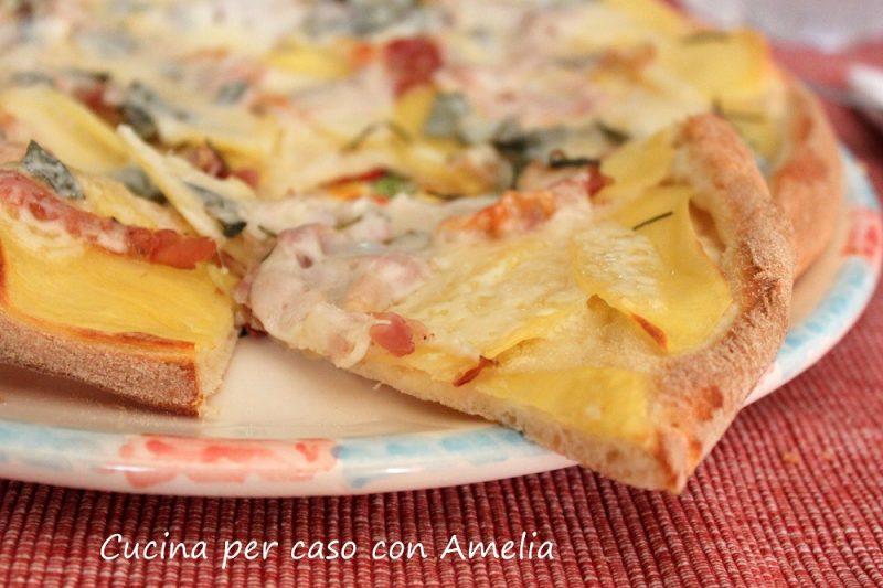 Pizza pancetta e patate