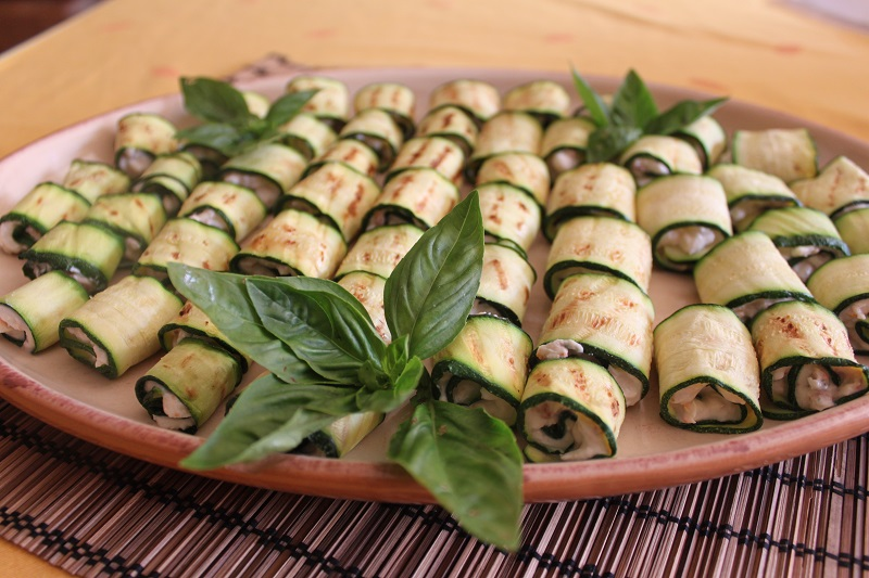 Involtini di zucchine e gorgonzola | Cucina per caso con Amelia