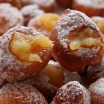 Frittelle di mele, ricetta dolce | Cucina per caso con Amelia