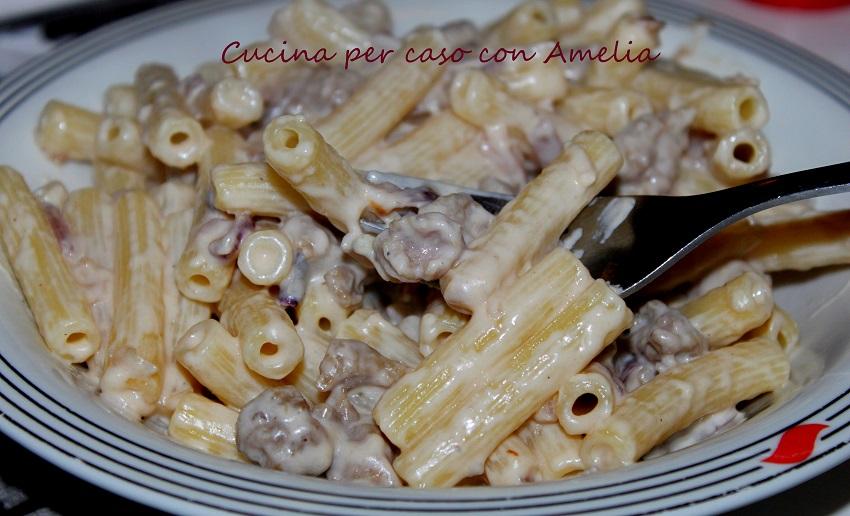 con salsiccia e vodka, ricetta | cucina per caso con amelia - Pasta Veloce Da Cucinare