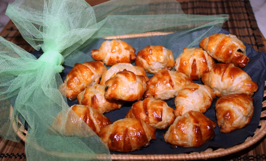 Croissant con brie e prugne, ricetta | Cucina per caso con Amelia