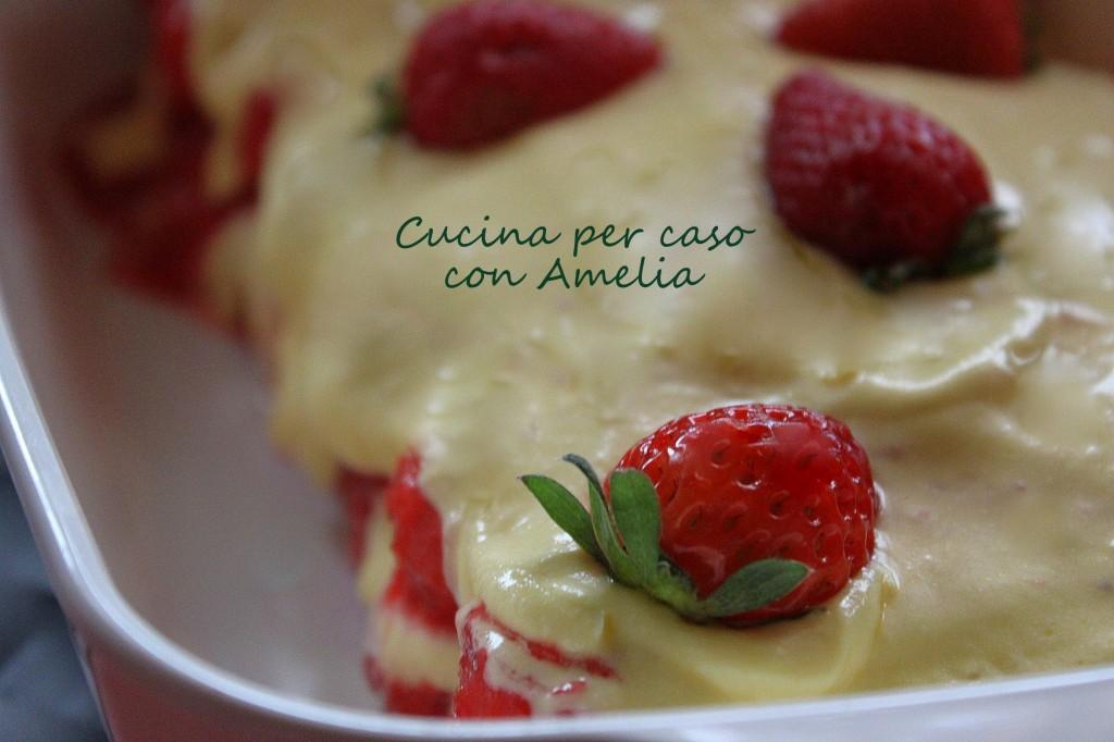 Tiramisu alle fragole, ricetta dolce | Cucina per caso con Amelia