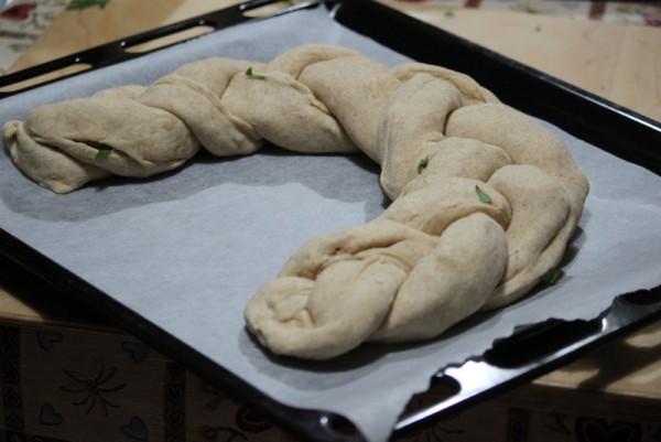 Treccia di pan brioche ripiena | Cucina per caso con Amelia