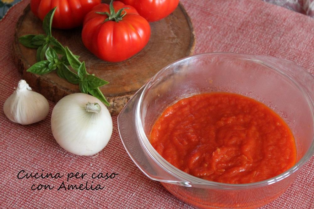 Sugo di pomodoro ricetta bimby - Cucina per caso con Amelia