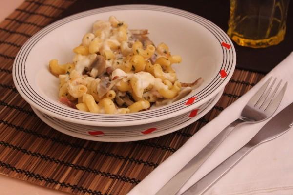 Pasta con funghi e besciamella | Cucina per caso con Amelia