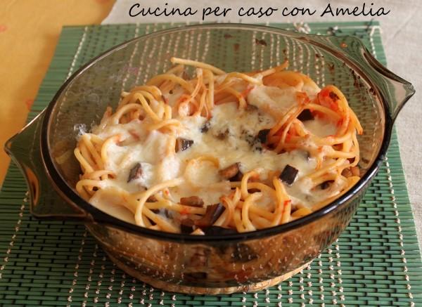 Bucatini gratinati, ricetta   Cucina per caso con Amelia