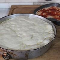 Focaccia con scarola, ricetta/Cucina per caso con Amelia