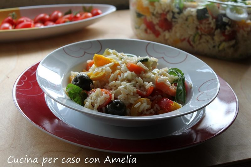 Insalata di riso feta e verdure