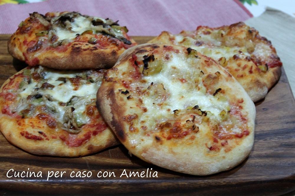 Pizzette porro e mozzarella - Cucina per caso con Amelia