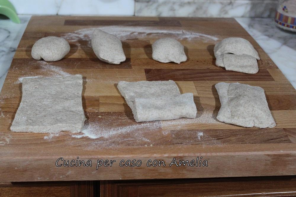 Pieghe e lievitazione del pane fatto in casa/ cucina per caso con Amelia