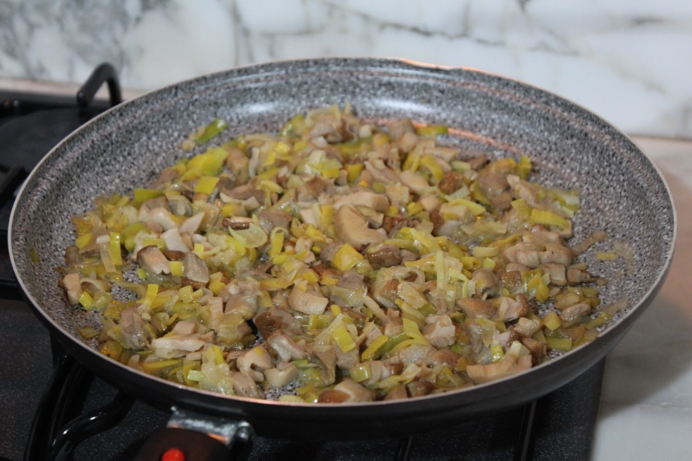 Frittata ai funghi porcini e porri - Cucina per caso con Amelia