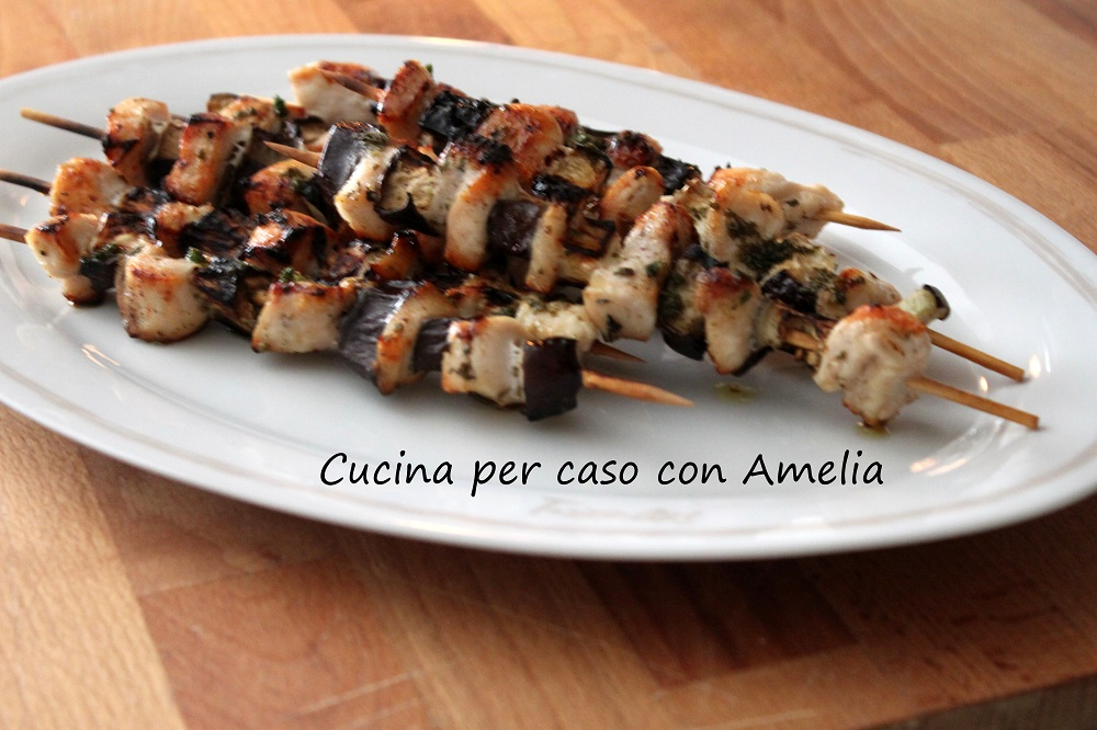 Spiedini di pollo e melanzane / Cucina per caso con Amelia