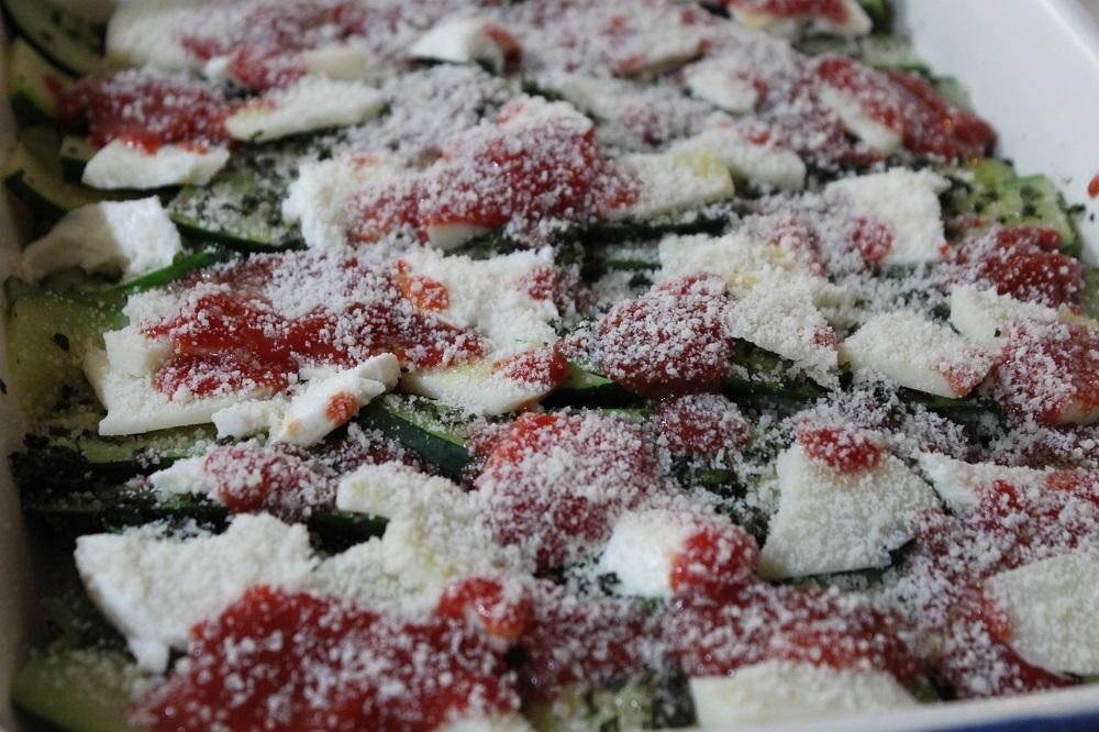 Zucchine al forno, ricetta / Cucina per caso con Amelia