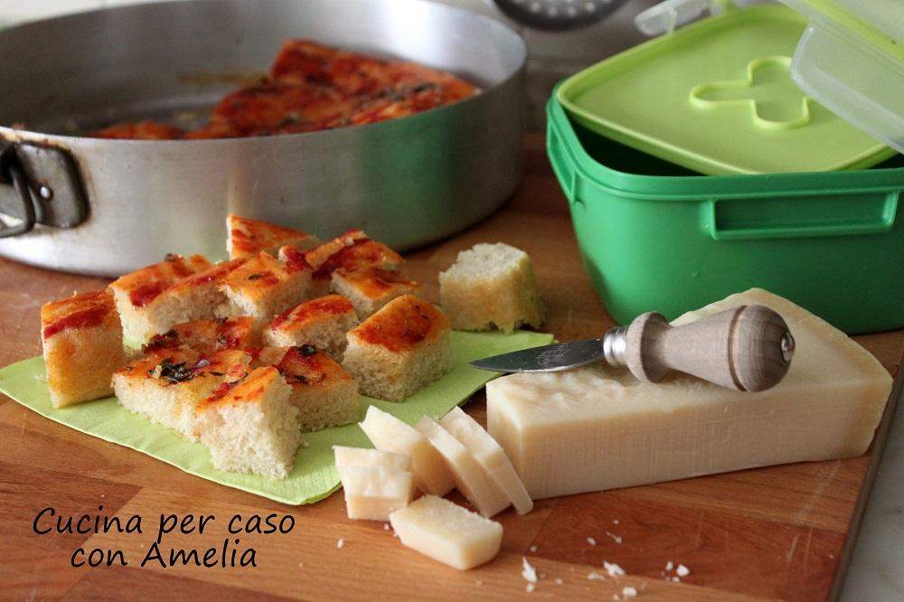 Focaccia al pomodoro/Cucina per caso con Amelia