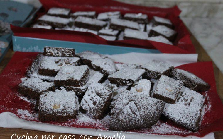 Torta a quadrotti cioccolato noci, ricetta