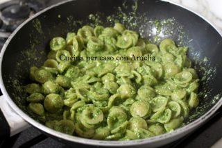 pistacchi e noci rucola ricotta Pesto