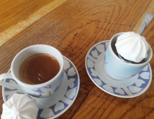 CAFFE E LATTE NELLA MOKA