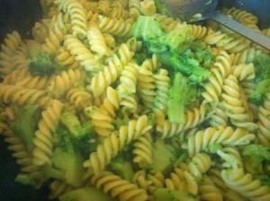 Pasta-broccoli-salsiccia-panna